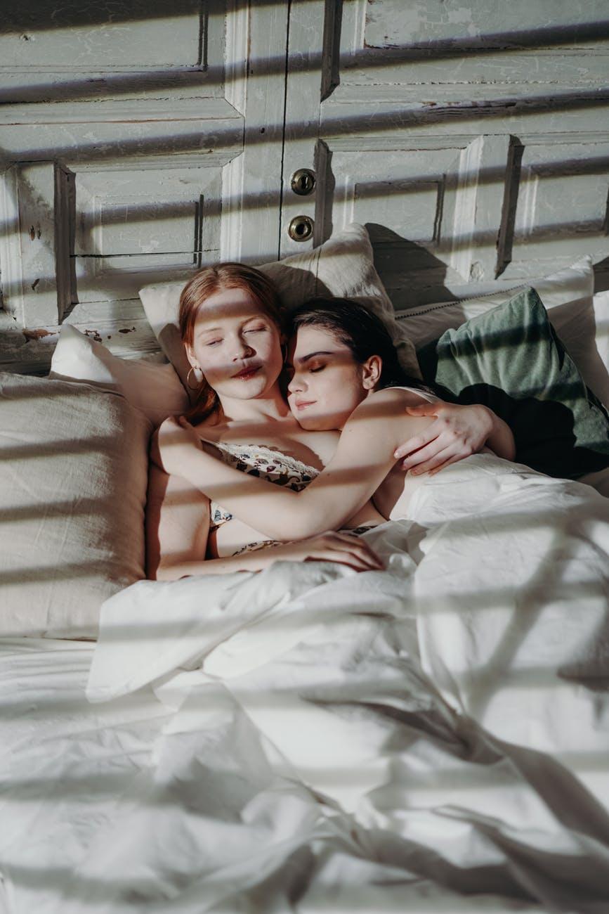 Dating Lesbians - free Lesbian Personals